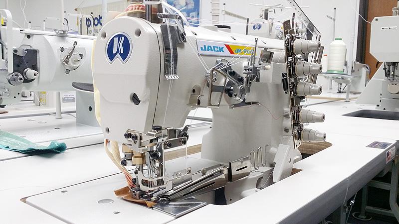 Apparel Machines JACK JK40Z Flat Bed Coverstitch Sewing Machine Custom Sewing Machine Binding