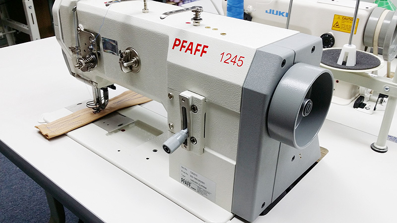 1 Needle Flat Bed Pfaff 1245 Walking Foot Sewing Machine